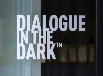 Dialogue in the Dark small