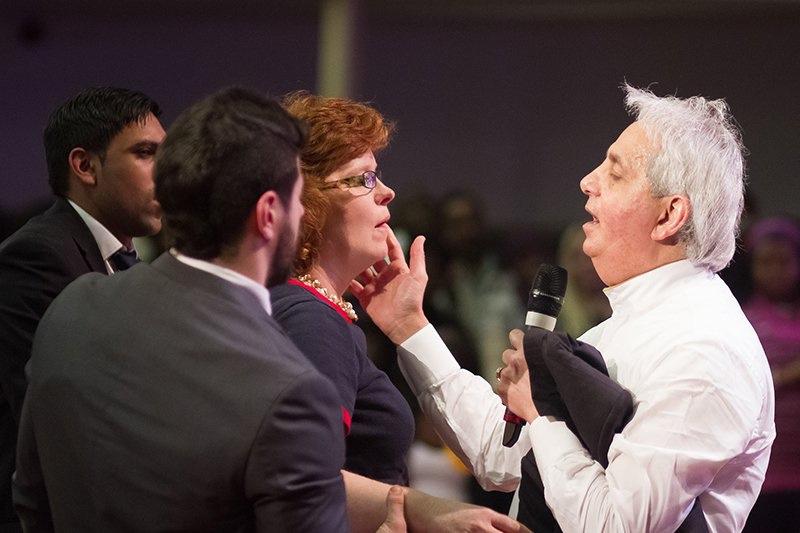 Sight Magazine - Is televangelist Benny Hinn renouncing the