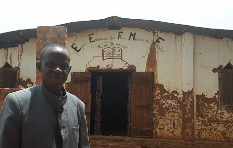 CENTRAL AFRICAN REPUBLIC: THE SCARS THAT DON'T HEAL - BANGUI PASTOR RECALLS CHURCH SHELLING