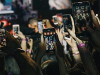 Sight-Seeing: The social-media-examined life is not the one that sustains us
