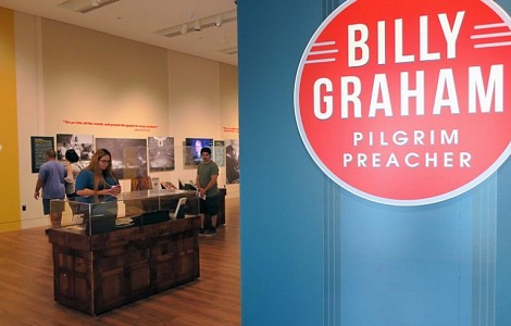 BILLY GRAHAM: NEW EXHIBIT SHOWS HE DREW LESS FROM OLD TESTAMENT AS YEARS WENT BY