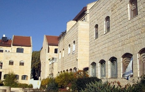 MIDDLE EAST: GREEK ORTHODOX CHURCH FACES ISRAELI HOMEOWNERS' IRE AFTER LAND SALES