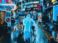 SNAPSHOT: RAINY NIGHT IN SEOUL, SOUTH KOREA