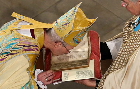 CLERGY: IT'S NO LONGER SUNDAY BEST FOR THE CHURCH OF ENGLAND