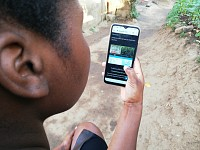 Postcards: Land hunters - How an app is matching Zimbabwe's farmers with vacant plots